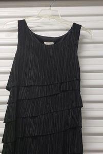 Black Sleveless Sheath Dress